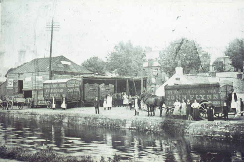 Old image of people working along the banks of the Royal Canal